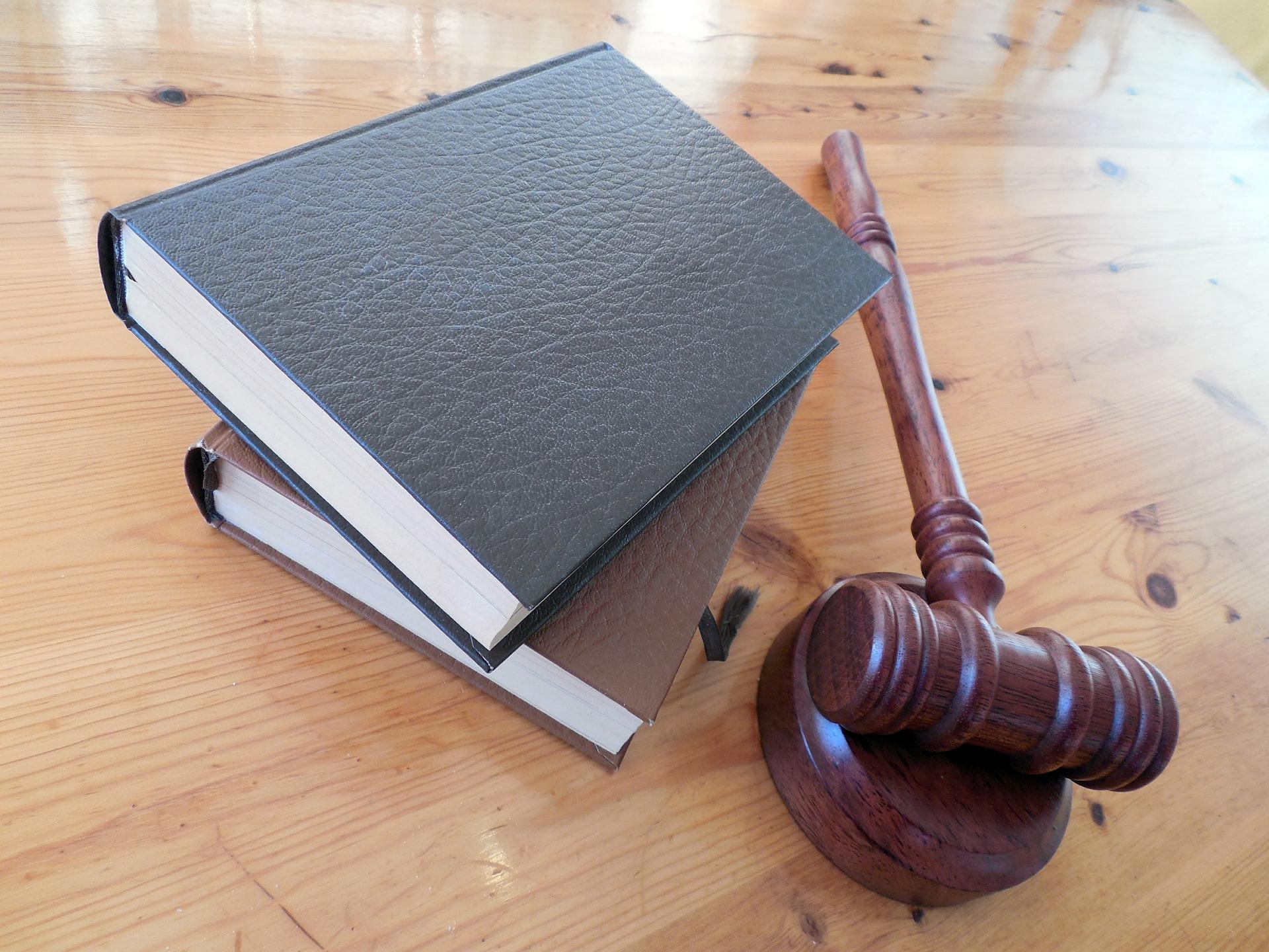 弁護士による掲示板の発信者特定と、誹謗中傷対策