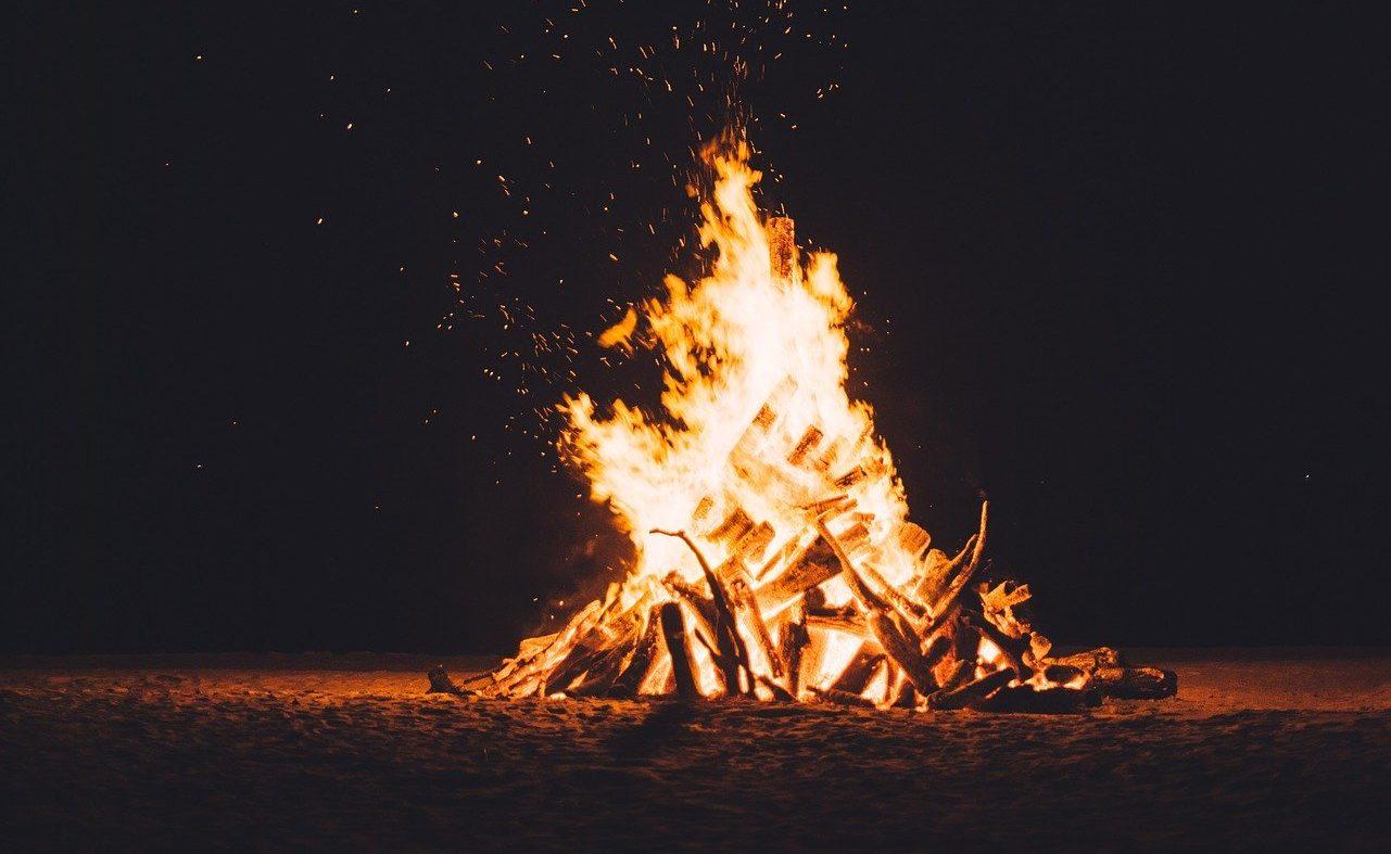 炎上によって、個人情報を特定された事例