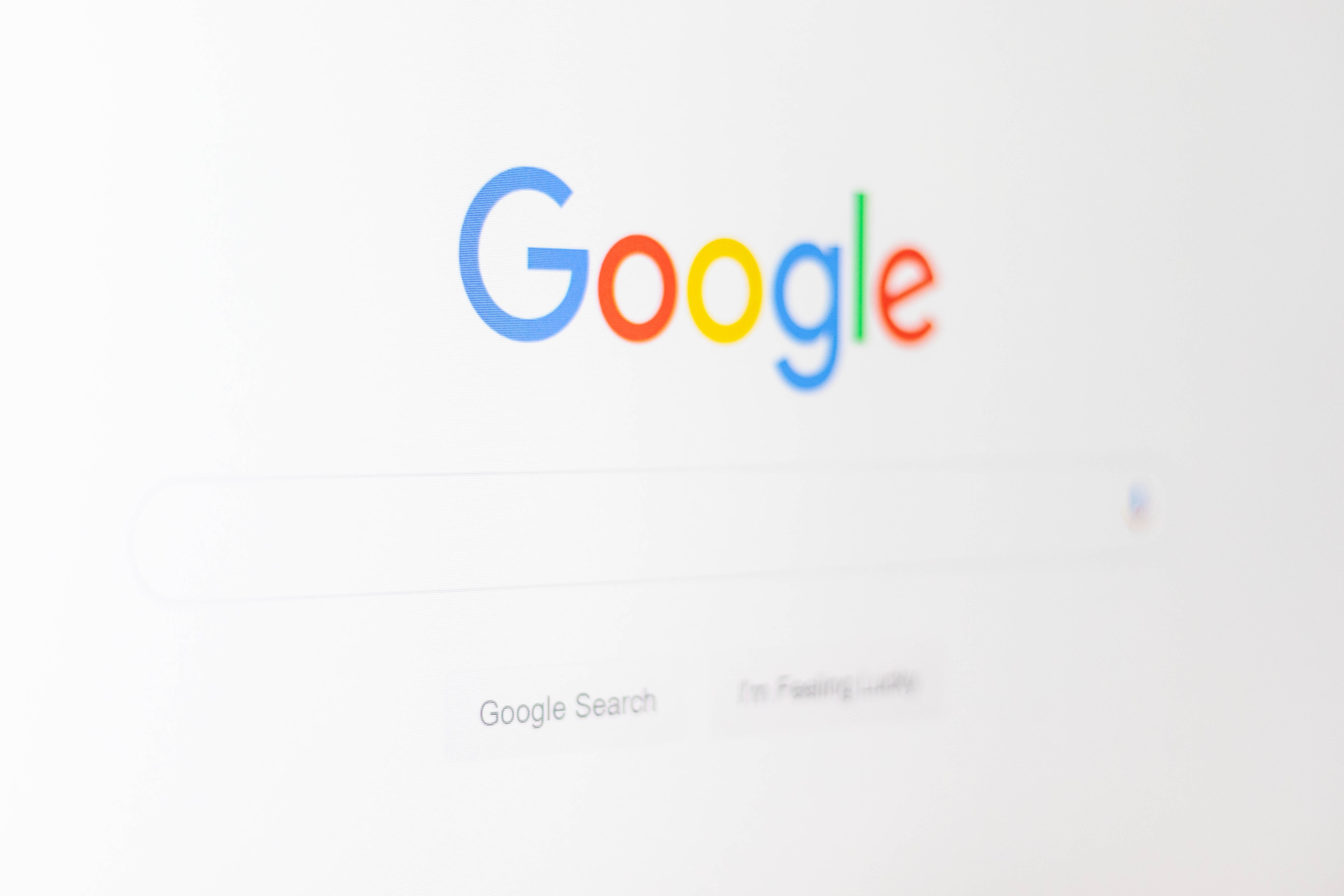 Googleに対して、自分の名前が検索されたページの削除リクエストを行う