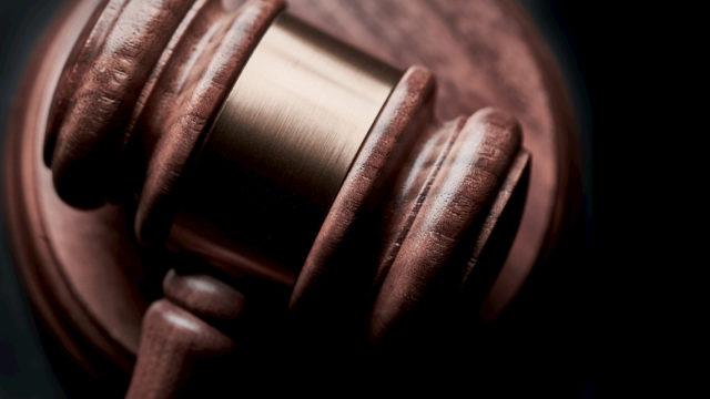 誹謗中傷の犯人を特定したい場合は弁護士に相談